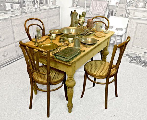 Museen im Saarland - Objekt - Küchentisch mit Thonet-Stühlen und ...